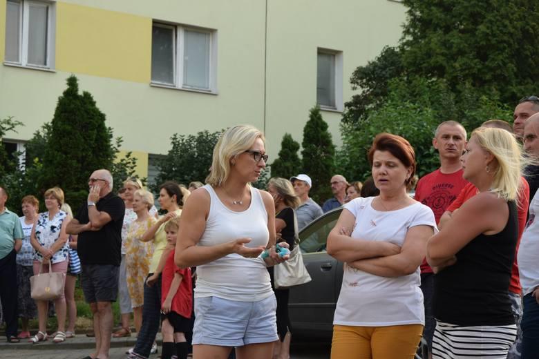 Rzeszowianie mieszkający w blokach przy ul. Lewakowskiego 7, 12 i 13 są zaniepokojeni - boją się, że tuż przy ich domach powstanie 58-metrowy wieżowiec.