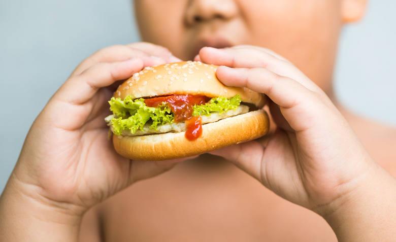 Nowe komórki tłuszczowe już nie znikają, dlatego większość dzieci z nadwagą i otyłością wyrasta na dorosłych z tym samym problemem – a także związanymi