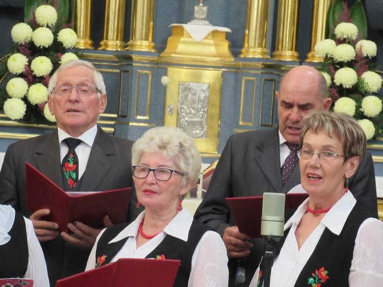 Koncert zespołu Ustronie w kościele pw. Najświętszej Maryi Panny w Rawie Mazowieckiej [ZDJĘCIA]