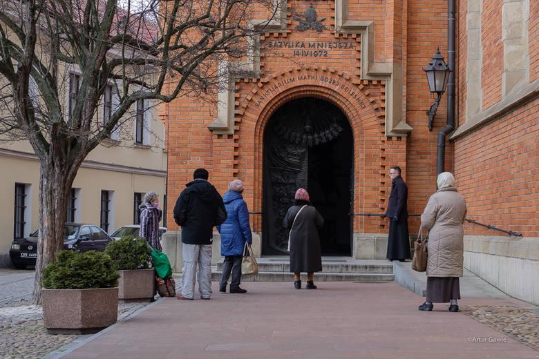 Koronawirus. Zaostrzone zasady kwarantanny w Tarnowie [ZDJĘCIA]