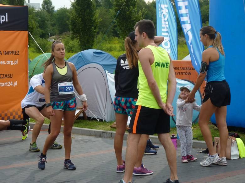 We wtorkowy poranek odbył się bieg DecaRun Koszalin. Była to pierwsza tego typu impreza zorganizowana przez markę Decathlon w Koszalinie. Zapisy zakończyły