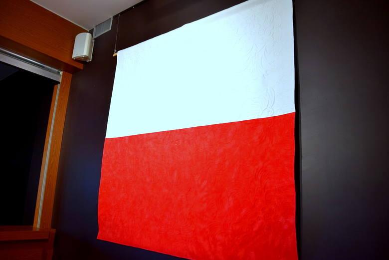 """Wernisaż wystawy """"Biało-czerwona"""" w CKiS w Skierniewicach [ZDJĘCIA, FILM]"""
