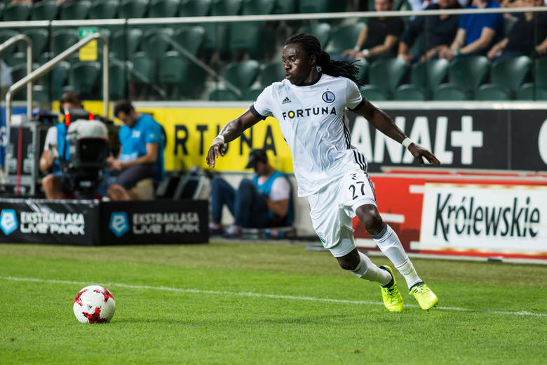 Nigeryjczyk miał wypełnić lukę po odejściu Nemanji Nikolicia i Aleksandara Prijovicia, ale okazał się jedną z największych wpadek transferowych Legii.