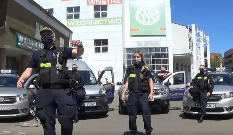 Strażnicy miejscy z Poznania rapują, by pomóc służbie zdrowia w walce z koronawirusem