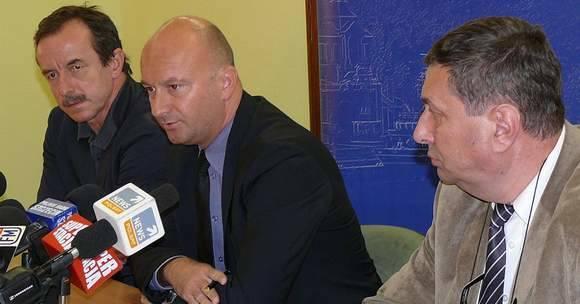 Wojewoda Marcin Zydorowicz przekazał 100 tys. zł na pomoc poszkodowanym w wypadku autokaru.