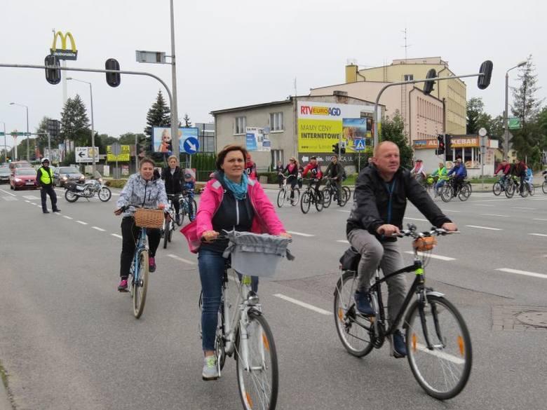 Stowarzyszenie Jaśkowa Droga już po raz 15. zaprosiła mieszkańców na rowerową masę krytyczną. Mogliśmy przekonać się, że amatorów jazdy na dwóch kółkach