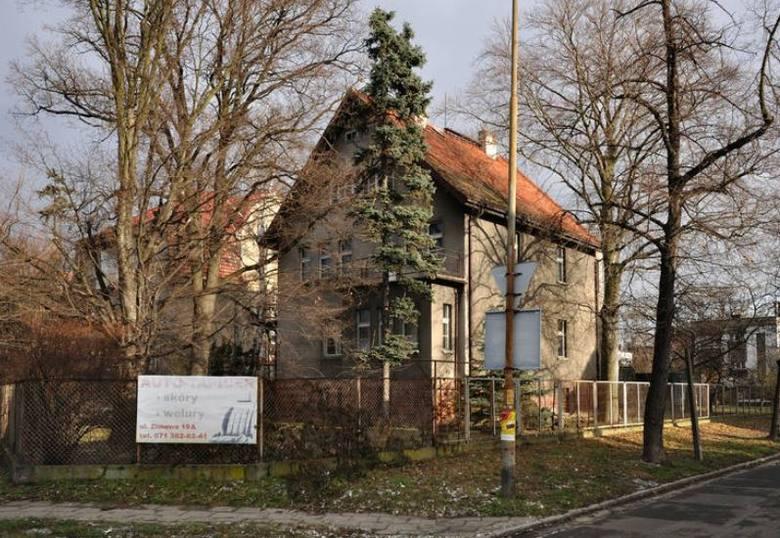 W przyszłym roku przebudowy i remontu doczeka się Willa Karpowiczów przy ul. Krzyckiej - przyszła siedziba Fundacji Olgi Tokarczuk. Powstanie tam kawiarnia,