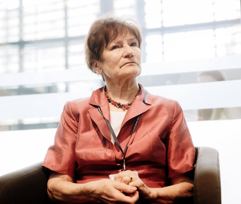Prof. Anna Wolff-Powęska: Prawa człowieka<br /> Patriota to człowiek, który czuje się obywatelem nie tylko swego kraju, lecz również obywatelem Europy. To człowiek, który traktuje obywatelskość jako kategorię przynależną nie tylko do wspólnoty narodowej i wie, że żadne państwo narodowe nie stawi...