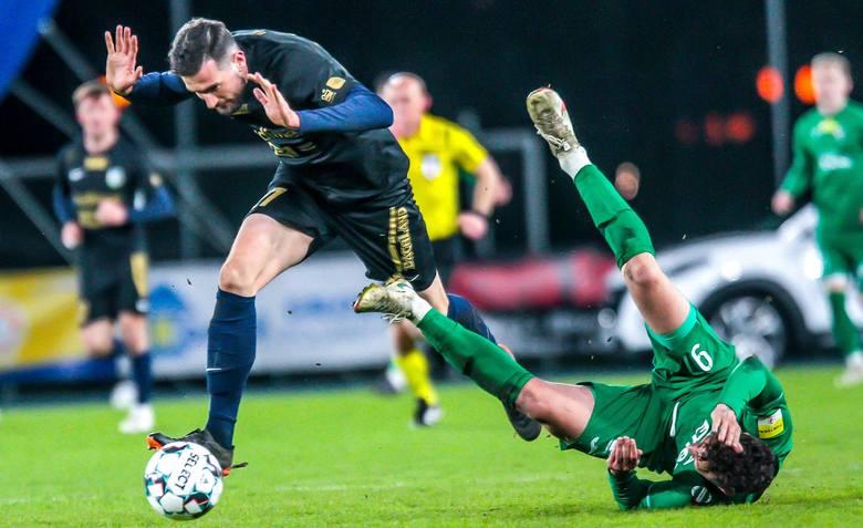 W meczu 28 kolejki Fortuna 1 Liga, Radomiak Radom pokonał 1:0 Stomil Olsztyn.Radomiak Radom - Stomil Olsztyn 1:0 (1:0)Bramka: 1:0 Meik Karwot 20 z karnegoRadomiak: