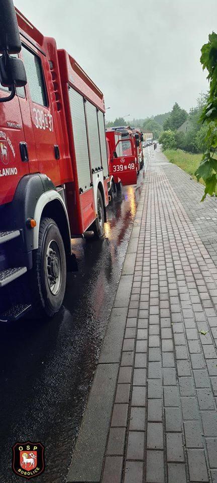 Wypadek na drodze krajowej nr 11 w miejscowości Przydargiń. Dwie osoby poszkodowane
