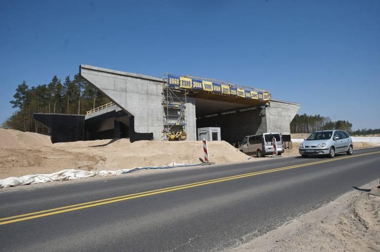 W naszym regionie trwa budowa obwodnicy Koszalina i Sianowa w ramach realizacji drogi ekspresowej S6. W piątek odwiedziliśmy plac budowy. Zobaczcie zdjęcia i wideo.<br /> <br /> &lt;iframe...