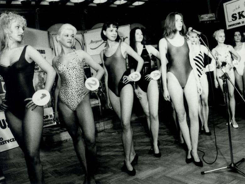 Takie były lata 90 XX wieku. Zobacz zdjęcia z wyborów miss!