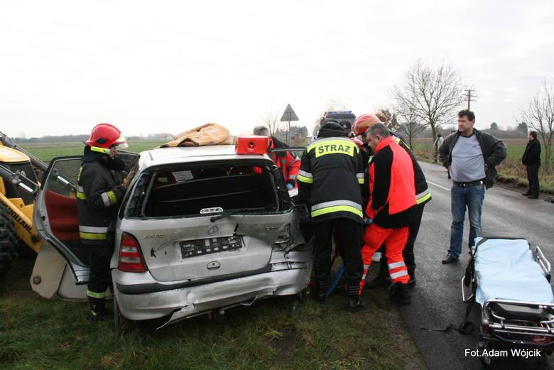 Wypadek koło Lulewic. Kierowca w szpitalu [zdjęcia]