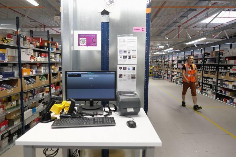 Centrum logistyczne Amazon w Sosnowcu. Po corocznym przeglądzie pensji zapadła decyzja o podwyższeniu wynagrodzeń nawet o 16,7 proc. Podwyżki wejdą w