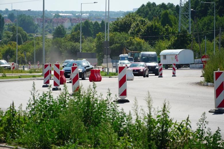 Przebudowa skrzyżowania al. Jana Pawła II z ul. Narodowych Sił Zbrojnych ma zakończyć się w listopadzie