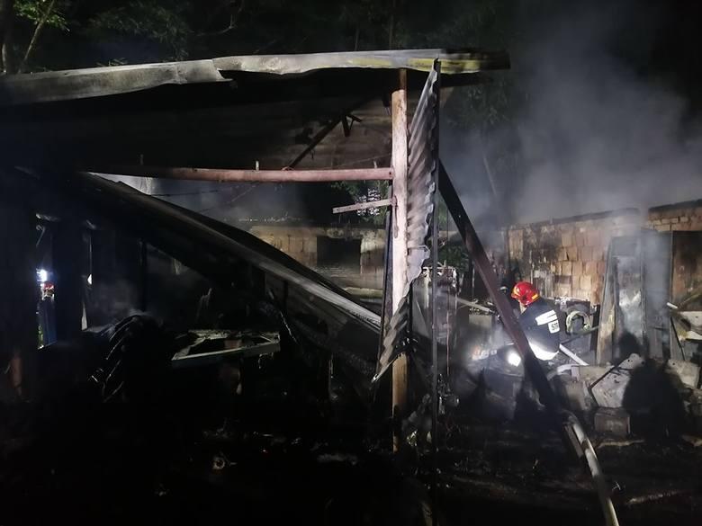 W nocy z piątku na sobotę, chwilę po godzinie 23, doszło do groźnego wybuchu w pomieszczeniu gospodarczym w miejscowości Kłokowo (gmina Połczyn-Zdrój).