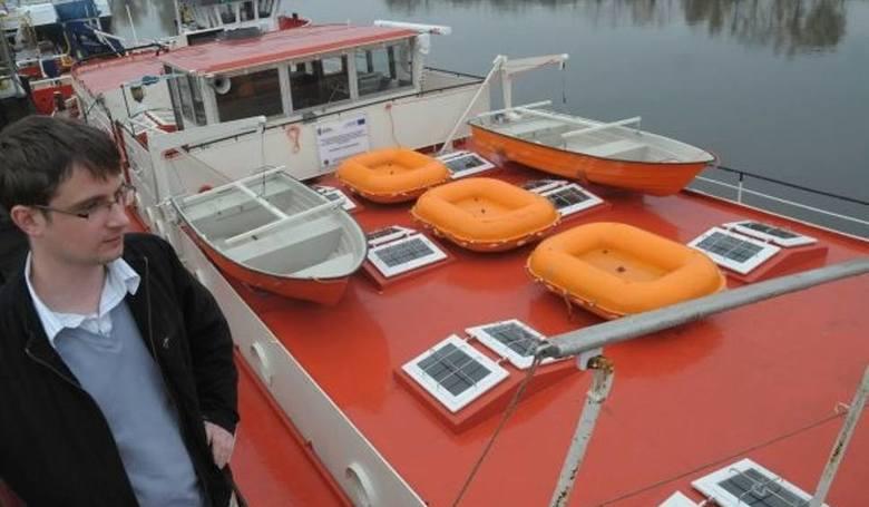 Przyszli marynarze i kapitanowie pływają po Odrze i Kanale Gliwickim.  Po zakończeniu nauki mogą liczyć na pracę, chociaż dotychczas najłatwiej było