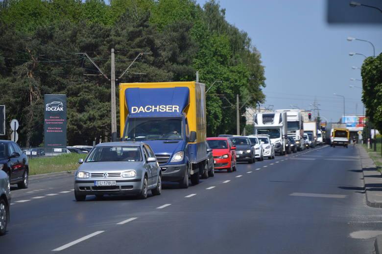 Od poniedziałku przez tydzień będą problemy z przejazdem pod wiaduktem kolejowym pomiędzy Łodzią a Zgierzem na DK 91. Samochody będą mogły jeździć tylko