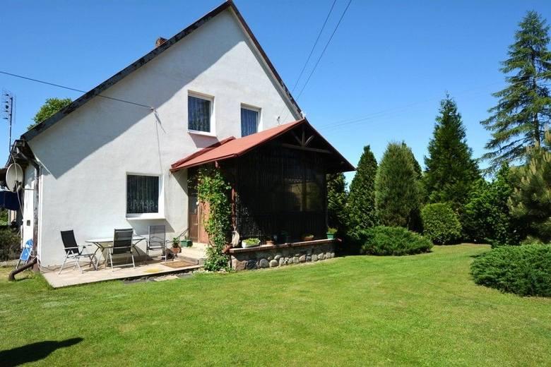 Okazuje się, że dom nie musi kosztować fortuny. W cenie do 300 tysięcy złotych można w województwie kujawsko-pomorskim kupić budynek nadający się do