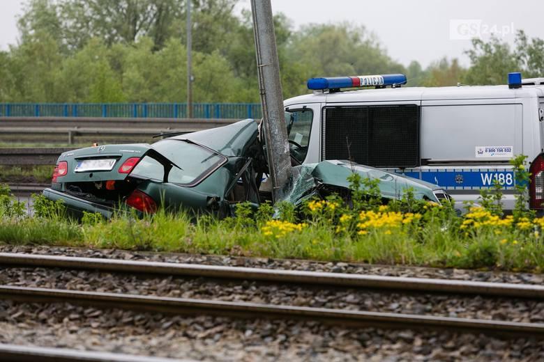Tragiczny wypadek na Basenie Górniczym w Szczecinie. Nie żyje 63-letni kierowca mercedesa [ZDJĘCIA]