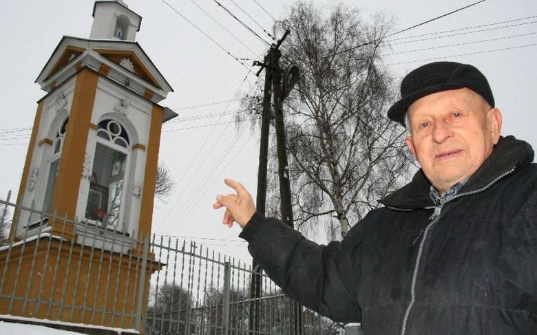 Ta zabytkowa kapliczka potrzebuje naszej wspólnej pomocy; mieszkańców, samorządu a nawet waszej, dziennikarzy – podkreśla Stanisław Posiak, mieszkaniec