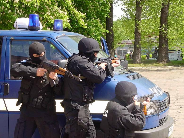 """Podlascy funkcjonariusze """"ciągną"""" polską policję do góry"""
