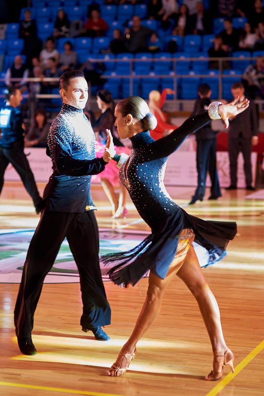 Lublin: Mistrzostwa Polski w tańcach latynoamerykańskich [DUŻO ZDJĘĆ i WIDEO]
