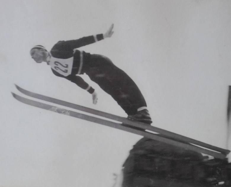 To nie zdjęcie Wojciecha Fortuny. Jarecki, rodowity zakopiańczyk, od małego jeździł i skakał na nartach