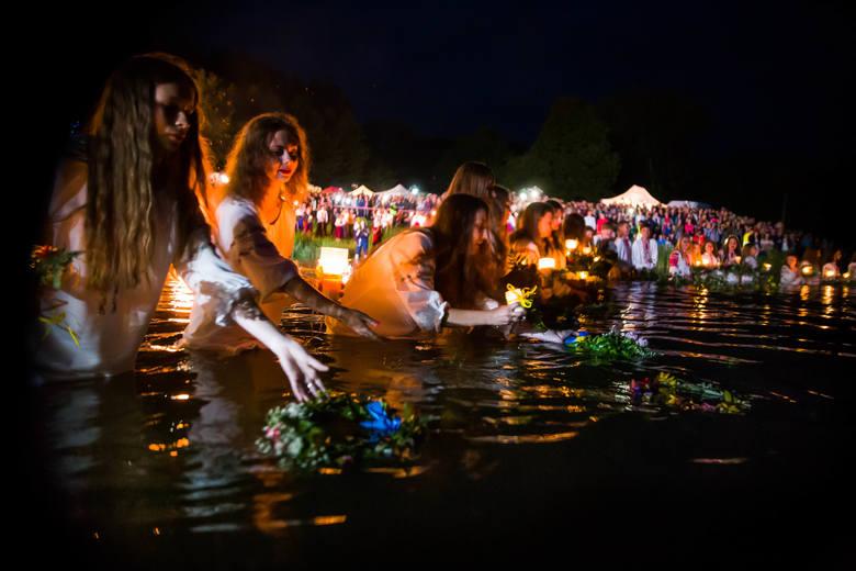 Festiwal zorganizowany przez Związek Ukraińców Podlasia jak zwykle przyciągnął tłumy nad zalew Bachmaty. Była piękna nastrojowa muzyka. I puszczanie