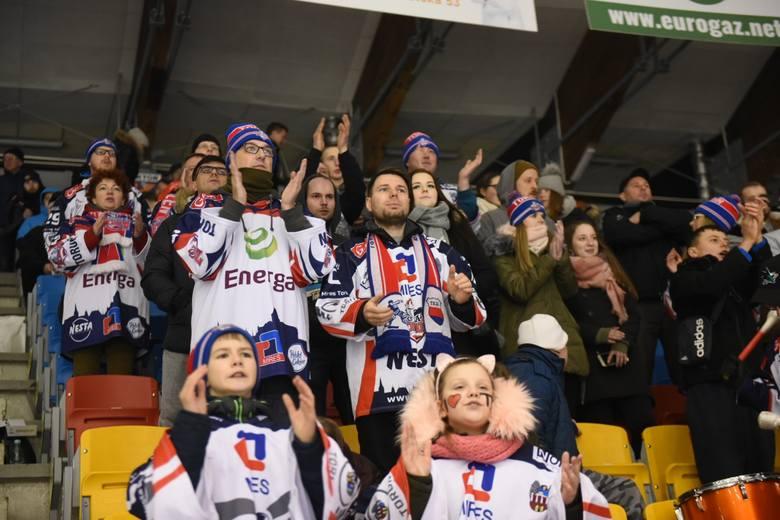 Podhale Nowy Targ jedynym zespołem, którego torunianie nie pokonali w tym sezonie. Los chce, aby właśnie z nim zmierzyli się w ćwierćfinale.KH Energa