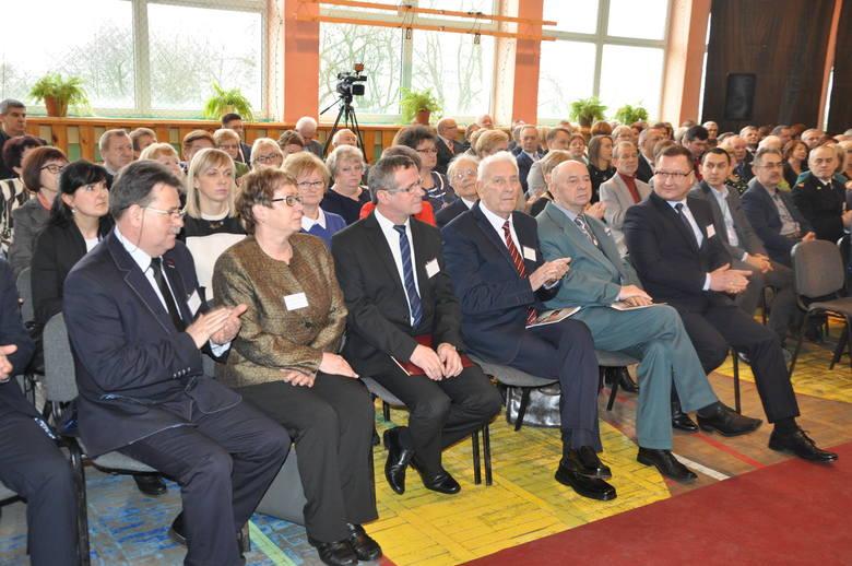 W zjeździe uczestniczyło 155 absolwentów, przyjaciele szkoły, samorządowcy