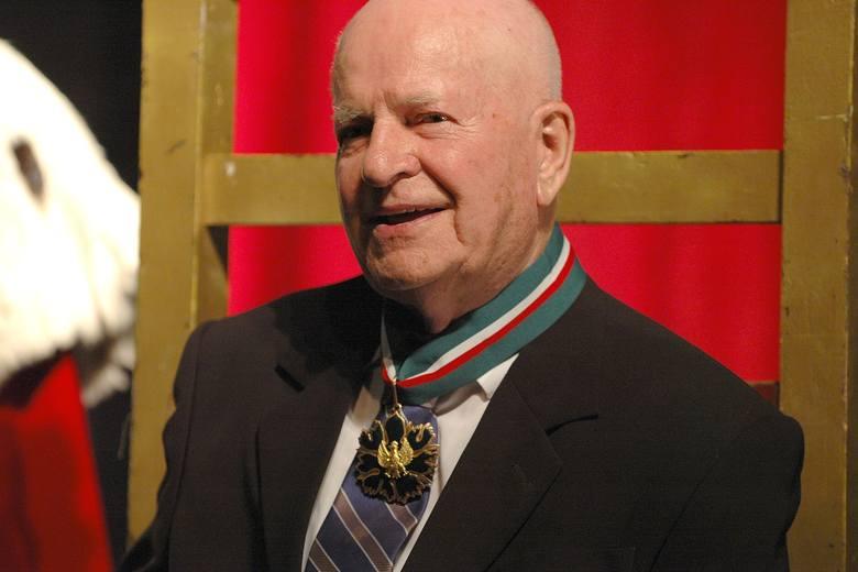 """Jan Machulski (1928-2008) – otrzymał medal w 1994 r. Witryna internetowa """"Filmpolski.pl"""", tworzona przez Szkołę Filmową w Łodzi, podaje dokładną datę"""