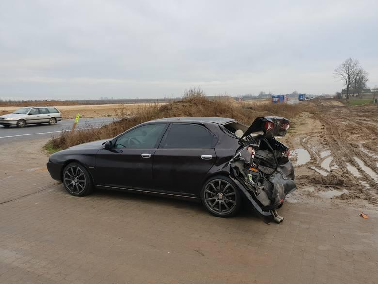 W Morsku w powiecie świeckim doszło do zderzenia trzech samochodów osobowych. Trzy osoby zostały ranne. Czytaj więcej o wypadku na kolejnych slajdach