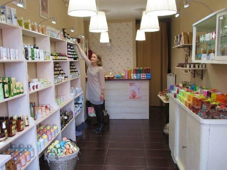 Mydlarnia u Franciszka proponuje naturalne kosmetyki z różnych zakątków świata, które wyróżnia najwyższa skuteczność, jak zachwala właścicielka skle