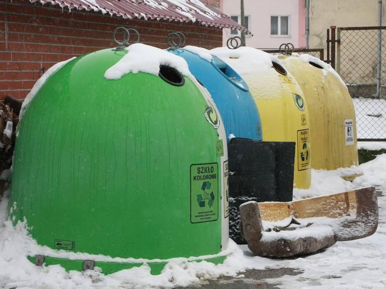 Uchwała śmieciowa budzi w Międzyrzeczu wiele kontrowersji. Wielu mieszkańców nie wiedziało, że mają złożyć deklaracje w ratuszu.