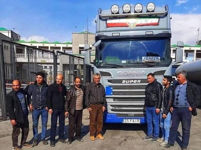 Fardin Kazemi, irański kierowca, którego historię opisujemy na naszych łamach, w ubiegłym tygodniu nareszcie dotarł nową ciężarówką marki scania do Iranu.