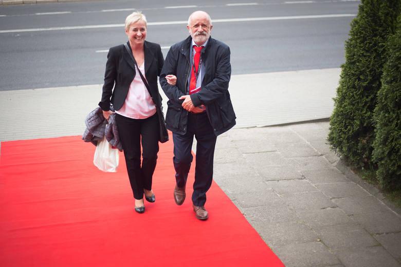 Akademia Pomorska w Słupsku obchodzi 50 rocznicę powstania. Z tej okazji odbył się szereg uroczystości. Zapraszamy do galerii zdjęć z balu absolwenta.