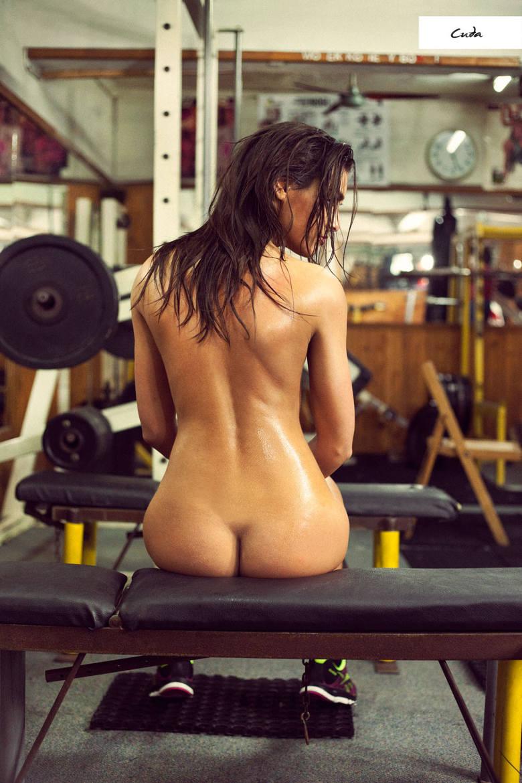 Nagie sportsmenki - charytatywny kalendarz sportowy