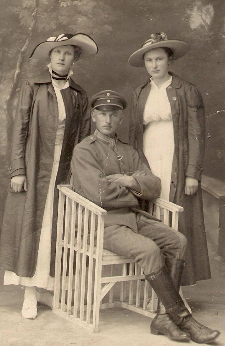 Leonard Gaca z siostrami Leokadią i Stefanią (zdjęcie z 1918 r.)