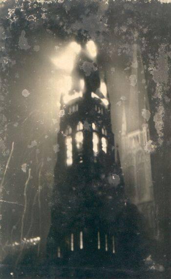 55 lat temu spłonęła wieża bazyliki w Rybniku. Tak jak niedawno dach katedry w Sosnowcu