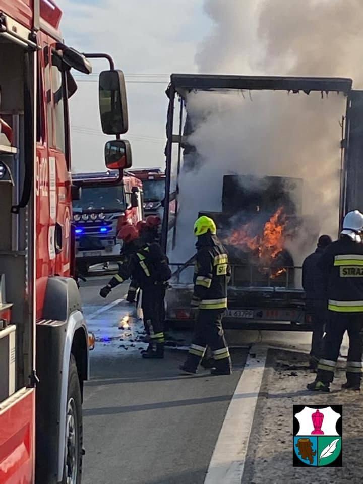 Pożar ciężarówki na drodze krajowej 3 [ZDJĘCIA]