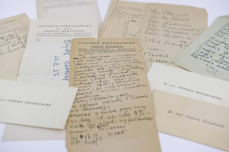 Recepty wypisywane przez Stefanię Perzanowską i jej wizytówki.