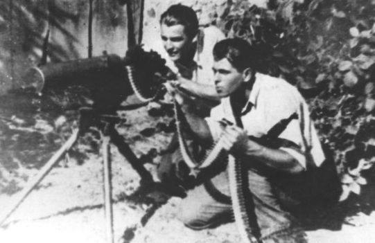 78 lat temu, 14 lutego 1942 roku decyzją Naczelnego Wodza, generała Władysława Sikorskiego przekształcono Związek Walki Zbrojnej w Armię Krajową. Była