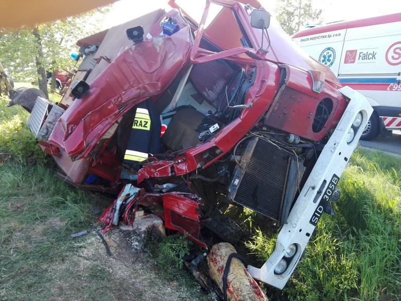 Podlascy strażacy ochotnicy łączą się w bólu z rodziną kolegi, który w nocy z 5 na 6 maja został ciężko ranny w wypadku.