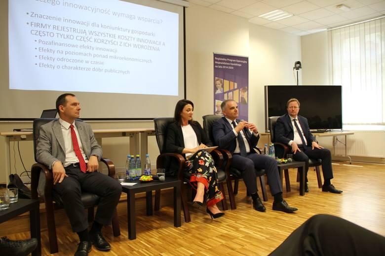 """Tematem ubiegłorocznej konferencji były """"Motory przedsiębiorczości i innowacyjności w polityce rozwoju regionu""""."""