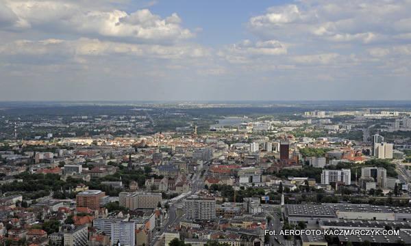 Lotnicze panoramy Poznania. Miasto z góry