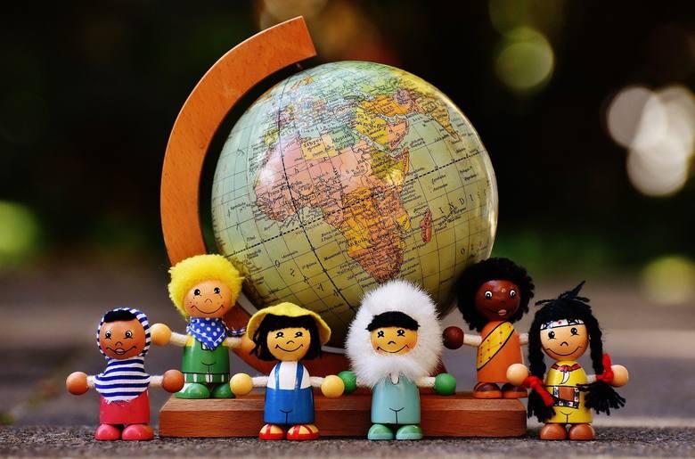 Zabawa jest ważnym elementem codziennej aktywności dzieci - umila czas, wzmacnia więzi i pozytywnie wpływa na rozwój najmłodszych. Poznaj 5 pomysłów