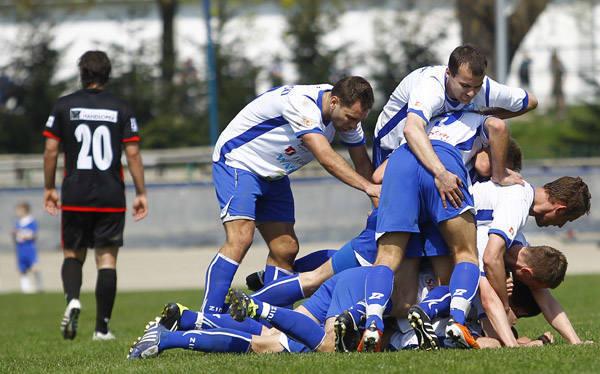 <strong>Stal Rzeszów – Resovia 2:0 (0:0)</strong><br /> <strong>Bramki</strong>: Fabianowski 55, Prokić 58.