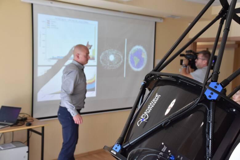 Uniwersytet Zielonogórski kupił za 450 tys. zł nowoczesny teleskop, który posłuży m.in. do wykrywania śmieci w kosmosie