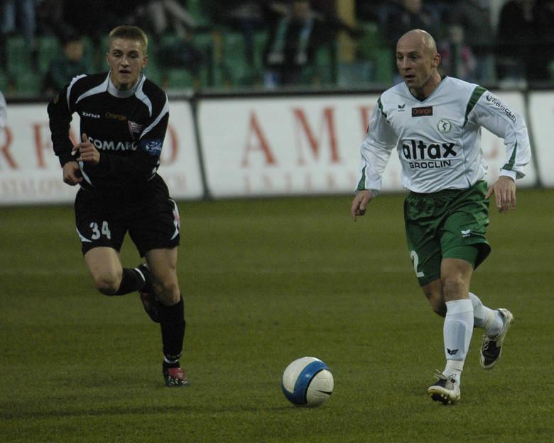 Piotr Rocki był niezwykle barwną i pozytywną postacią polskiej piłki. Pamięć o nim na długo pozostanie na pewno w sercach kolegów, trenerów, działaczy i kibiców